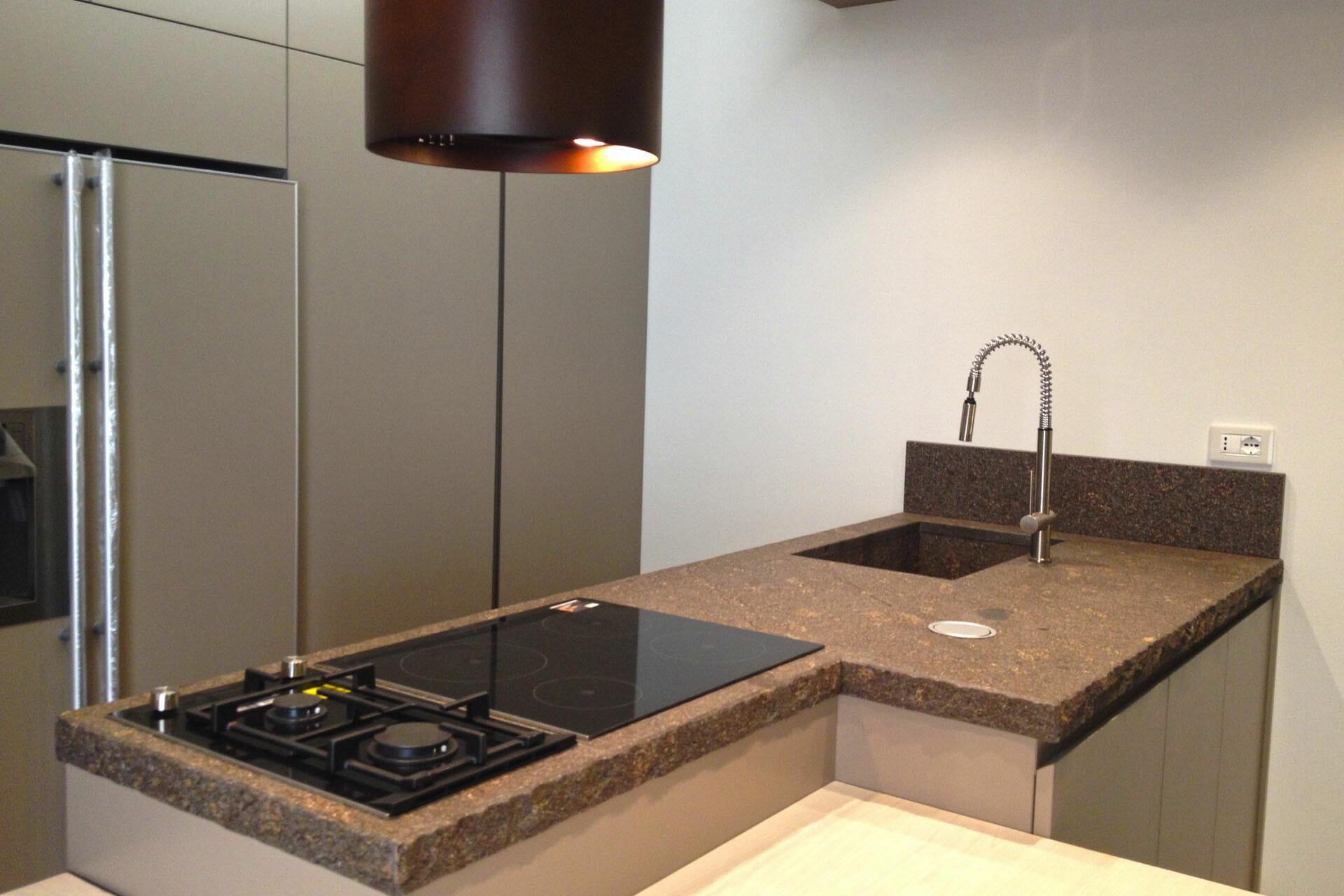 Piano in marmo cucina 3 marmisavegnago - Marmo in cucina ...